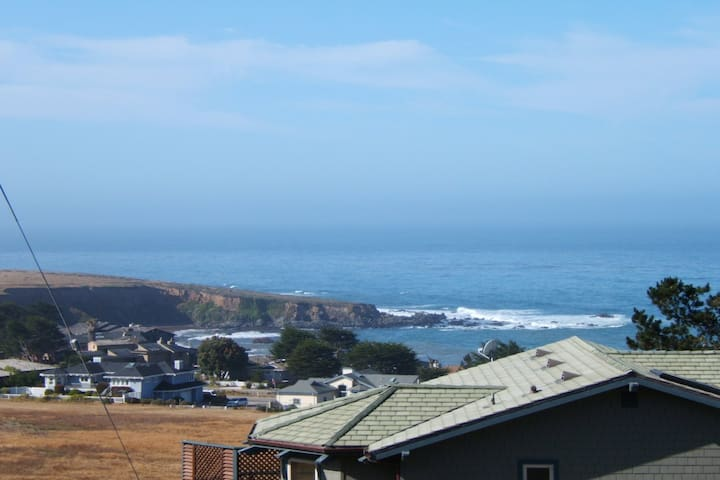 3+2 Ocean-View Home in Cambria - Cambria - House