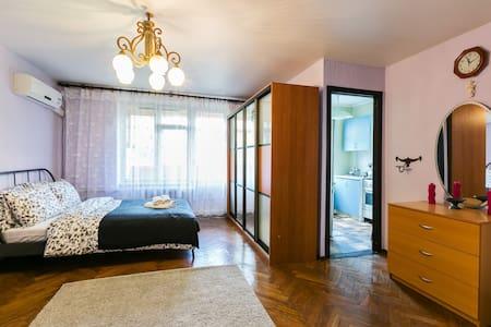 Apartments on Sevastopolskiy prospect