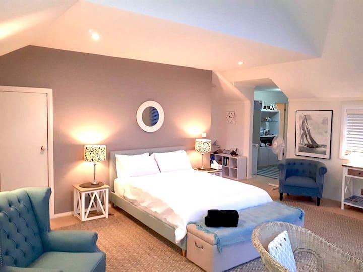 The Loft Beachouse Sharkies - stay in style