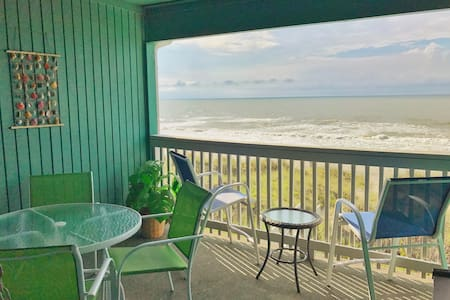 Unlimited Oceanview, Top Floor Beachfront Condo