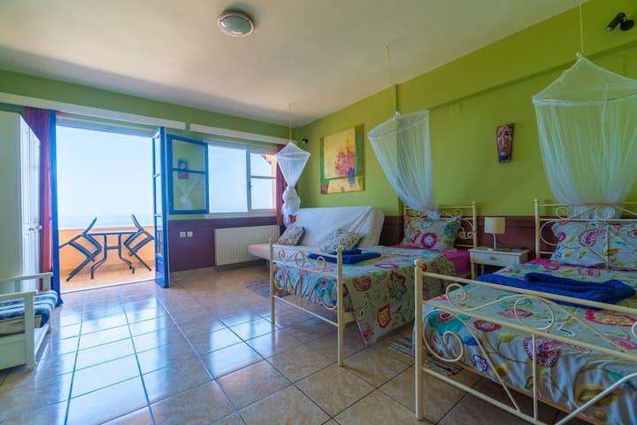 Seaside Ocea Retreat | Apartment - Lime