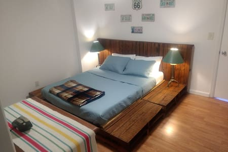 1 BEDROOM APT WEEKLY AND MONTHLY DISCOUNTS