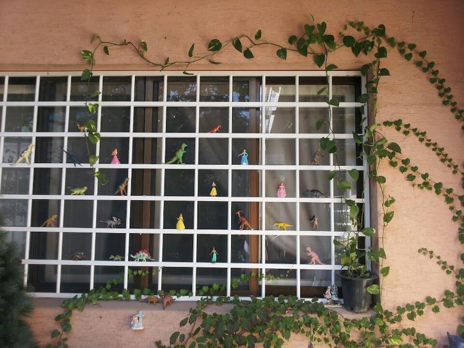 베르디게스트 하우스 창문입니다.