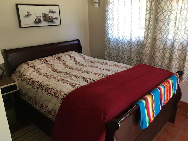 Quiet Glen Park Room for Two People