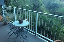 Balcony overlooks Yarra river and walking/bicycle trail