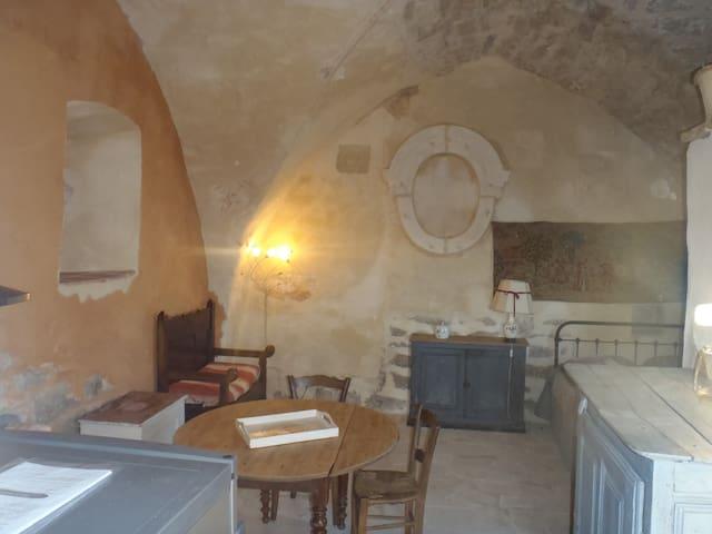 gîte  dans ancienne chapelle