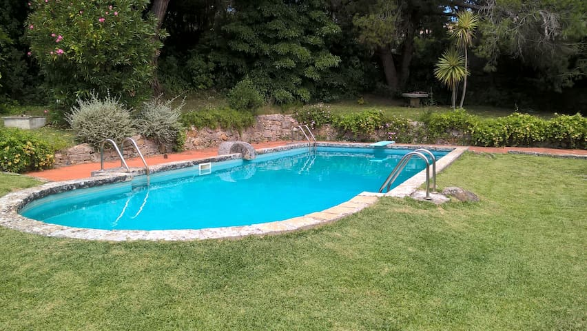 Swimming-pool to be shared by our guests.