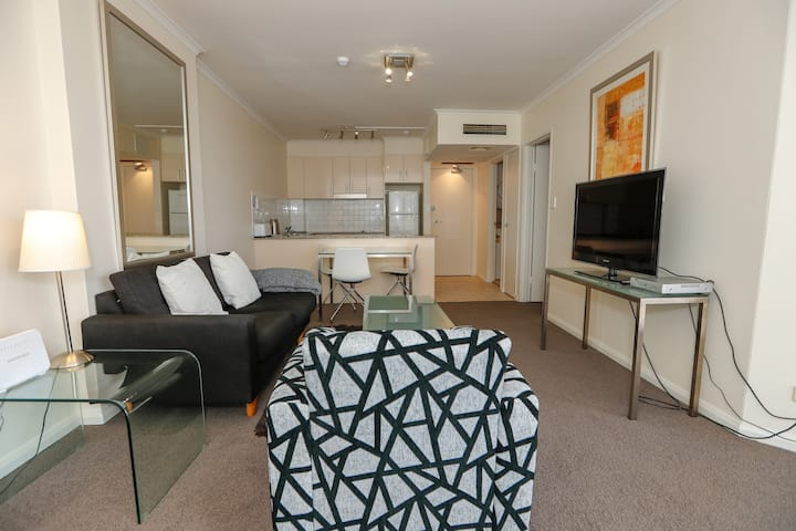 The King St Apartment - One Bedroom Inner City