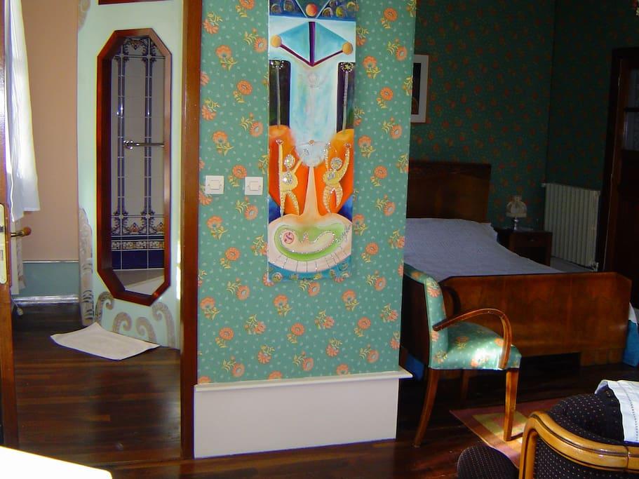 salle de bain et lit Art  Déco