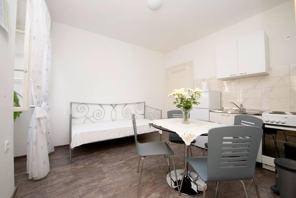 sch ne wohnung im stadtkern wohnungen zur miete in split gespanschaft split dalmatien kroatien. Black Bedroom Furniture Sets. Home Design Ideas