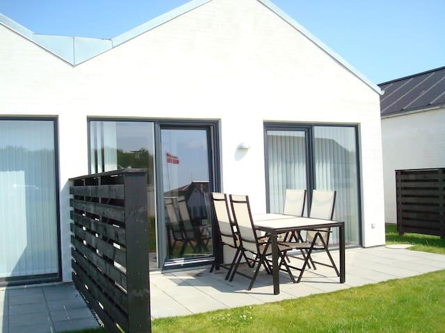Moderne sommerhus tæt ved havet - Fjerritslev