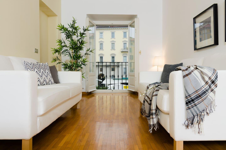 Living area con vista su Via San Marco