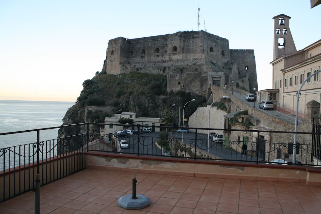 Vista Castello, terrazza.