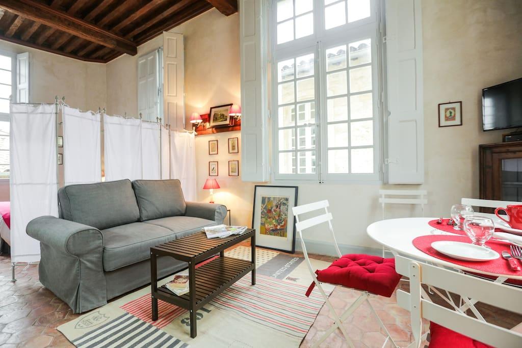 centre historique avignon appartements louer avignon. Black Bedroom Furniture Sets. Home Design Ideas