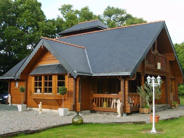 Maison en bois - La Grigonnais - บ้าน