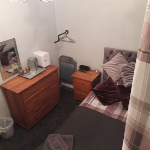 Single room to rent wakefield