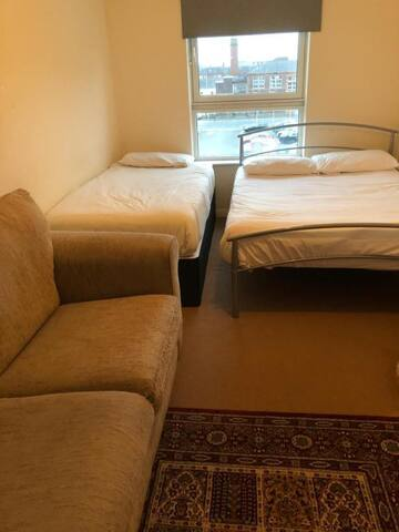 Triple room-economy-Ensuite with Shower-4/3-1