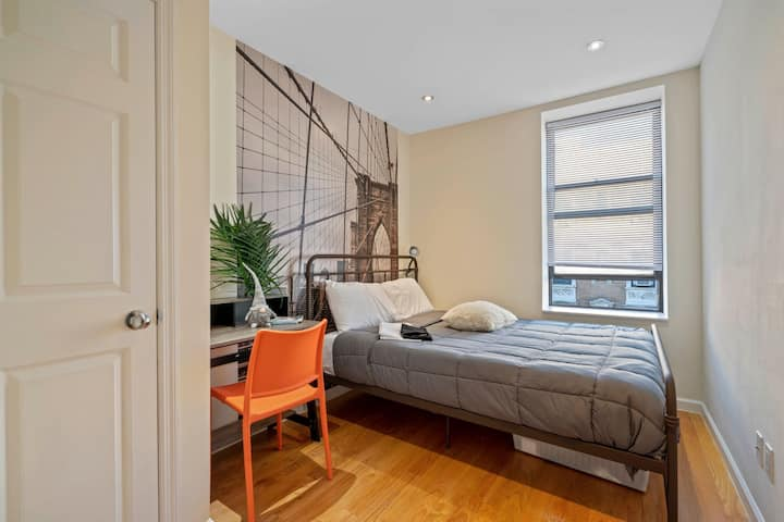 Amenity-loaded Private Room in a cozy Apt