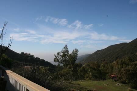 Mountain Retreat in Malibu - Malibu
