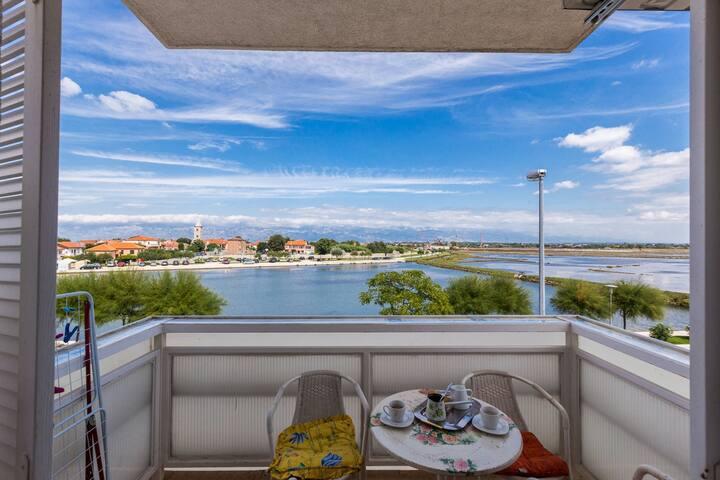 Mirela Nin comfort 1BR apt. w. balcony, sea view