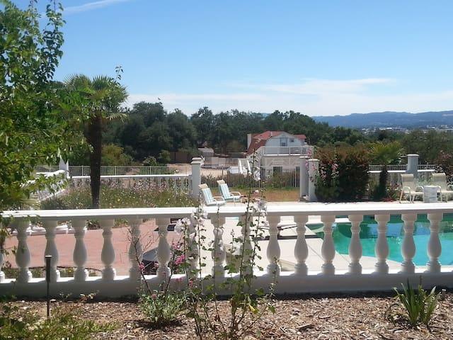 pavilion gardens above pool