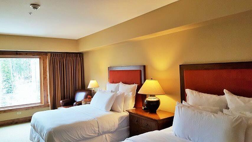 Lodge Dbl Queen 214 | Tamarack Resort | Sleeps 4