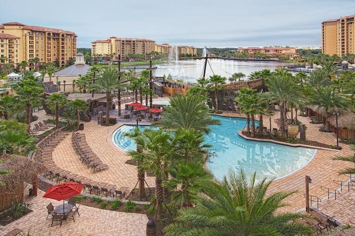 (A492) Three Bedroom Deluxe Luxury Condo, Orlando Florida