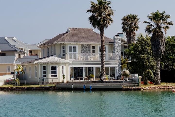 Zeer ruime  villa aan  zee te huur voor 8 personen