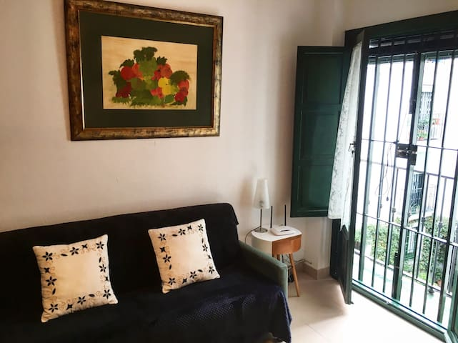 Cozy Apartment at the City Center - Sevilla - House