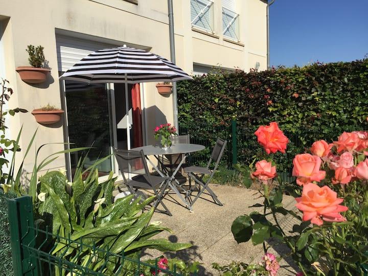 Maisonnette, Duplex avec jardinet proche de la mer