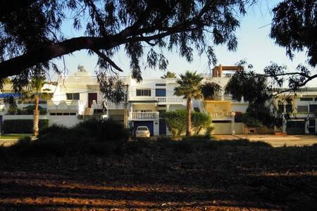 Villa jardin face à la grande plage - Oualidia