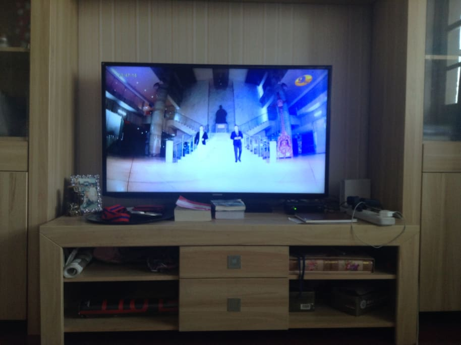 big screen tv wifi hbo cnn lotus bbc dw nhk many international channels your own languages