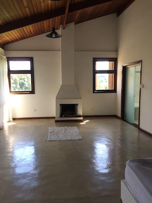 suite principal com lareira