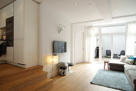 LOVELY apt. with patio at the Pijp area! - Amsterdam - Apartment