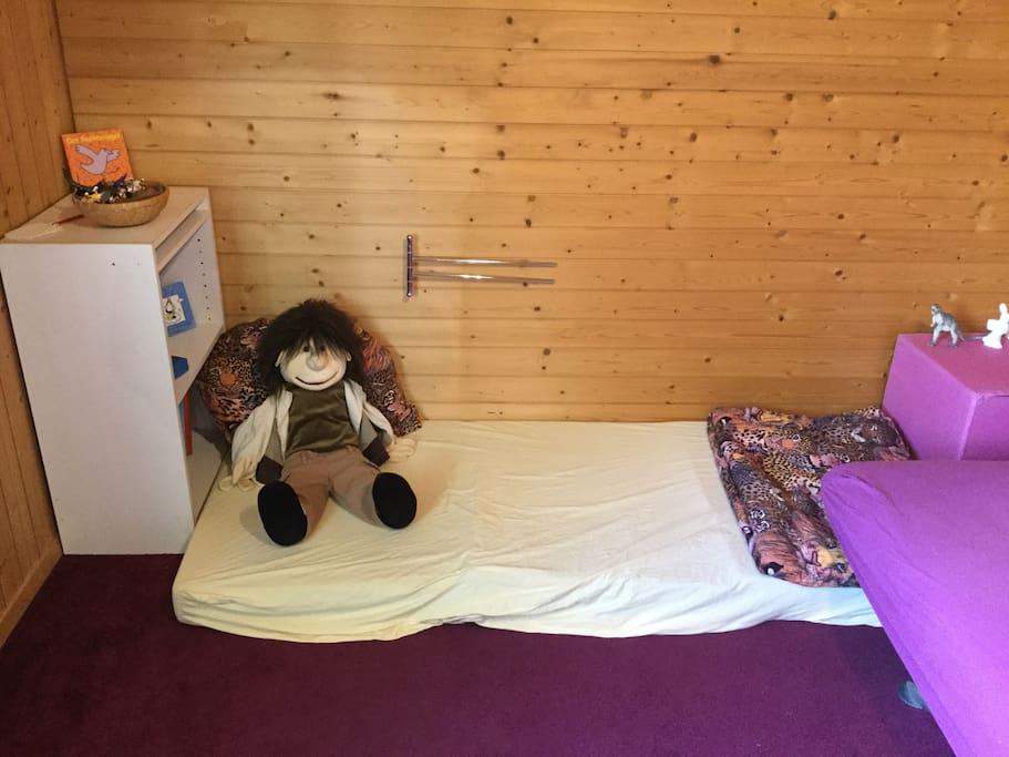 Zimmer 2 mit Matratze