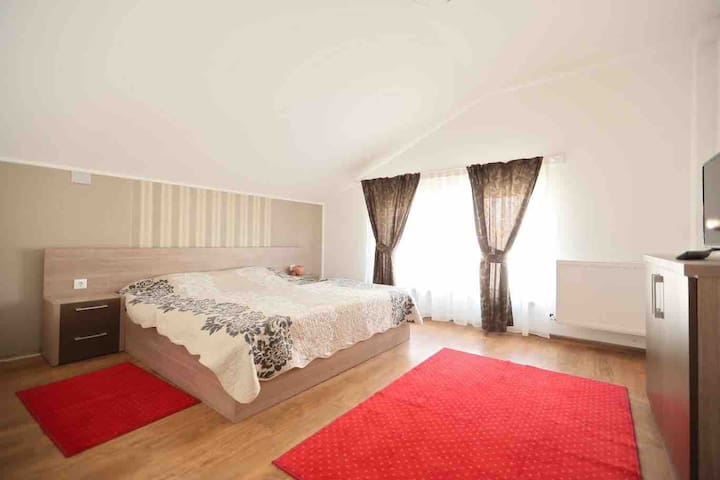 Apartament la casa, ideal pentru o vacanța
