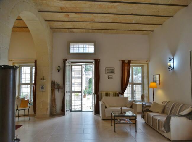 """Il """"Palmento Grande"""", luminosa casa nel Salento"""