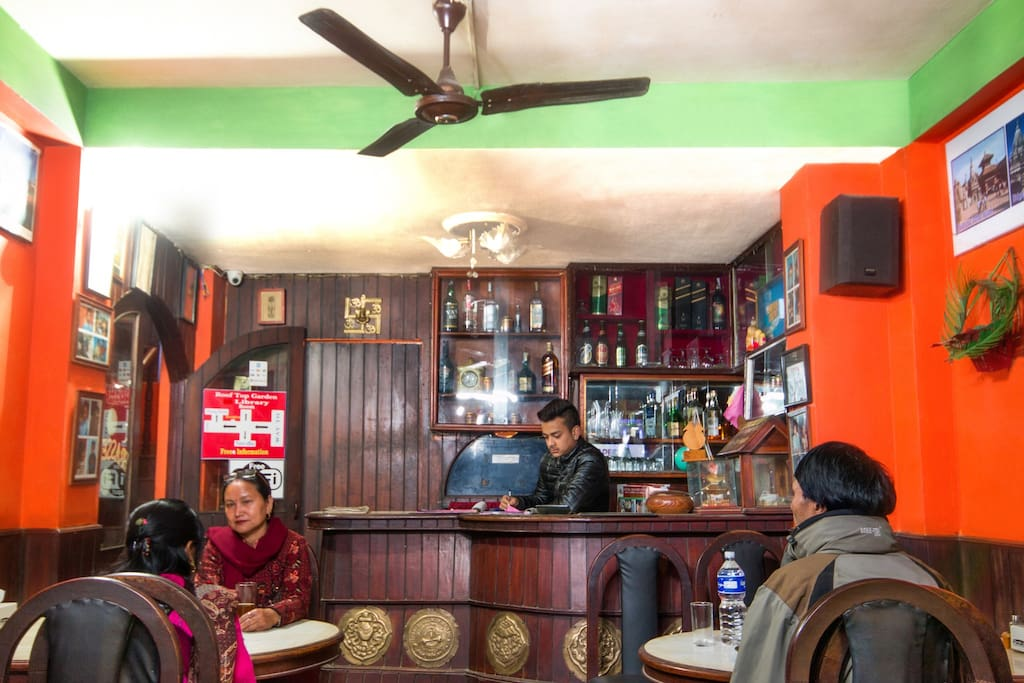 La Thamel Brasserie Resturent with wifi and delicious nepali, indian, chinese and continential foods service.