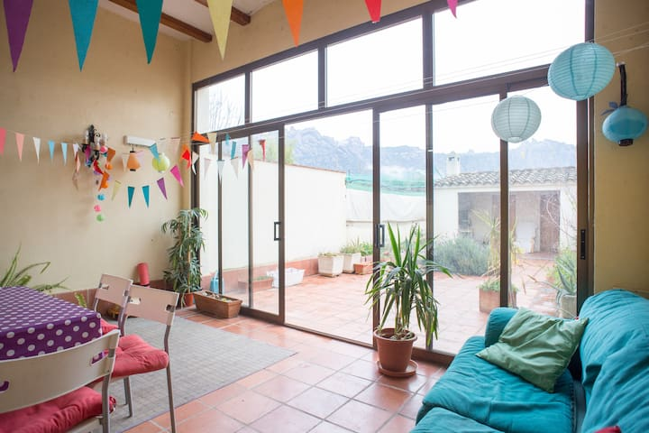Room with great view to Montserrat  - El Bruc - Huis