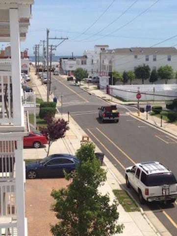 One block to beach, 4bd, remodled - Wildwood - Appartement