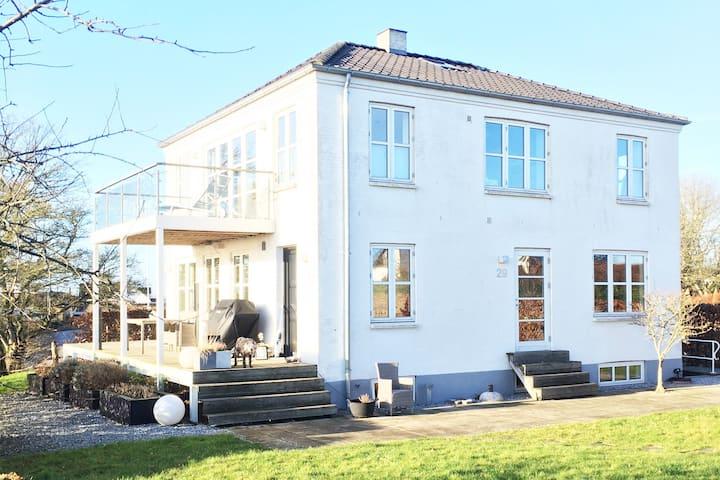Dejlig villa med smuk udsigt til Viborg golfbane