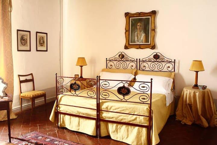 Charming B&B in San Fabiano Castle - Siena - Aamiaismajoitus