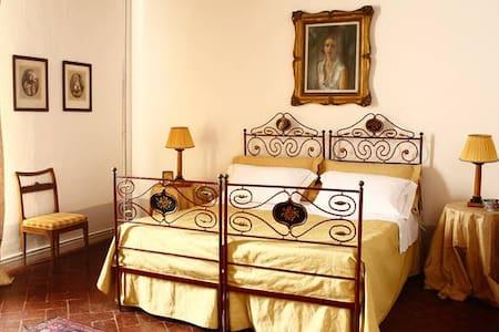 Charming B&B in San Fabiano Castle - Sienne - Bed & Breakfast