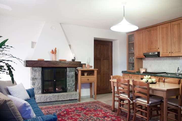 Cozy house, Great place in Verceia, lake Como area