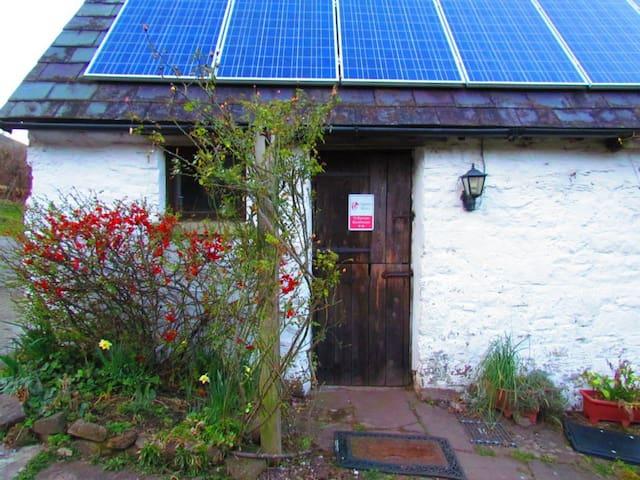 Middle Ninfa Farm Bunkhouse - Abergavenny - Chalé