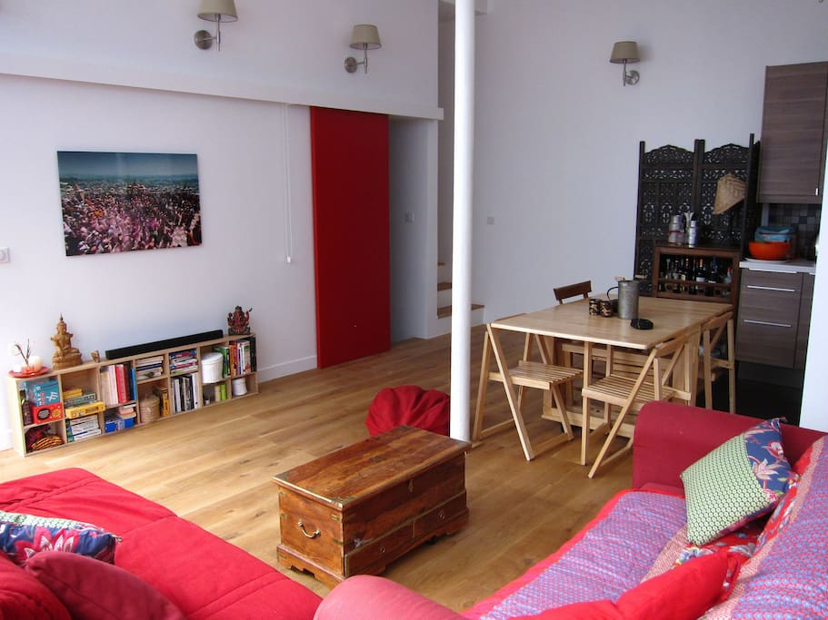Atelier d 39 artiste loft 65m2 appartements louer paris for Atelier loft a louer
