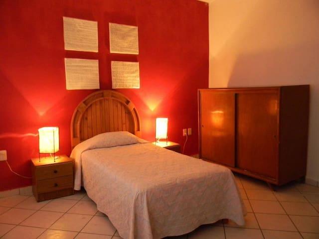 Habitación tranquila y acogedora - Celaya - Ξενώνας
