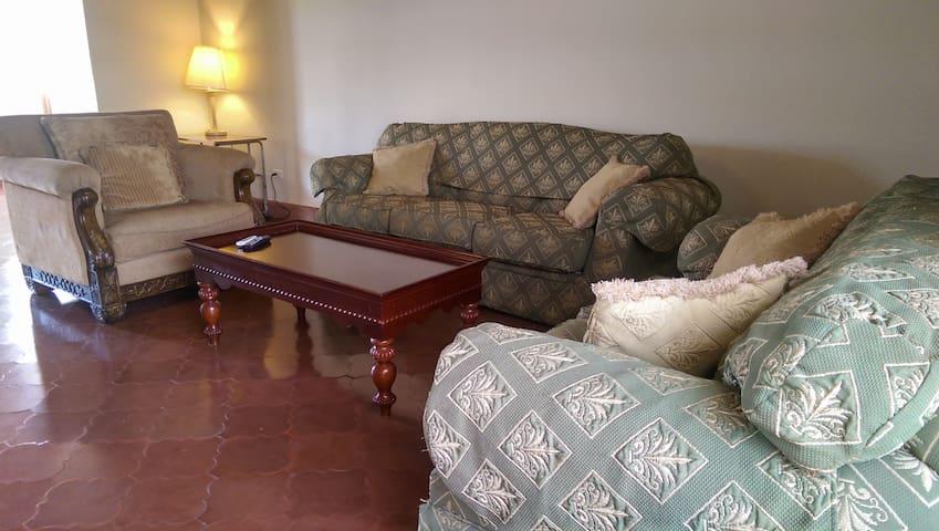 Renta Apartamento en Gran Hotel Sula -SPS - San Pedro Sula - Lägenhet