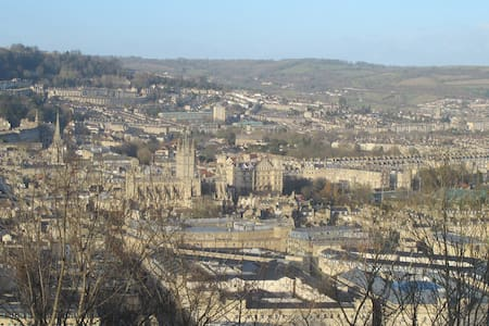 Lovely  room with views over Bath - Бат
