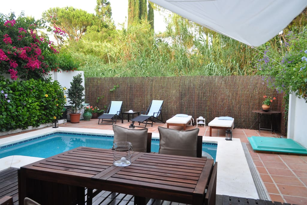Garden with private pool